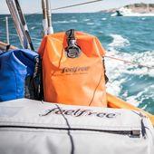 Qui est partant pour un tour de bateau pendant ses fortes chaleurs ? 🙋♀️ #wetbag #waterproofbag #sacetanche #boat #vacances #bateau
