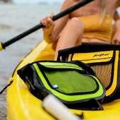 Sacoche Jazz, petite et robuste idéale pour une virée en mer 👌 #sacoche #sacetanche #paddle #kayak #colors