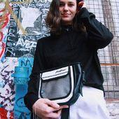 ONLY JAZZ 🐳 Sacoche étanche, légère et résistante : mon accessoire préféré 👌 📸 @anais__pp #sacoche #etanche #streetwear #urban lifestyle