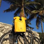 Let's go and ride away ! 🚴‍♂️🚵‍♀️☀️ #wetbag #waterproofbag #cyclisme #velo #sportwear #yellow #lifestyle